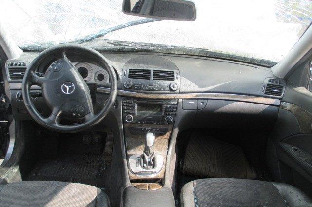 mercedes-benz-e-class-w211-e240-2004g-012